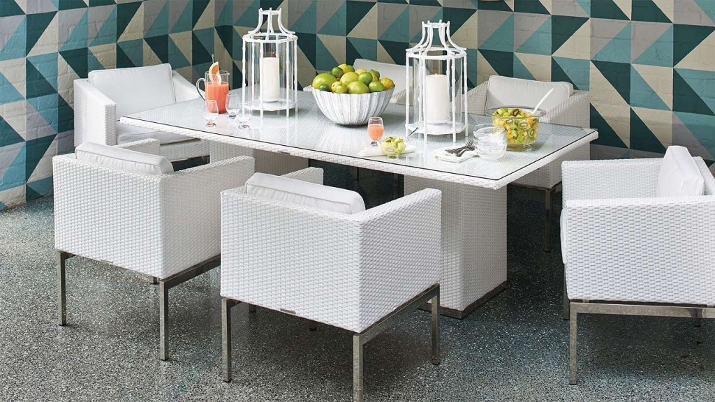 Outdoor living part 1 dining paula ables interiors for Limited space dining table